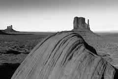 Late Evening, Monument Valley, UT  2018 (Jaw's Dad) Tags: monumentvalley landscape blackandwhite