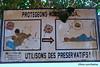 Utilisons des préservatifs! Togoville, Togo (Sekitar) Tags: westafrika west africa ouest afrique togo utilisons des préservatifs togoville