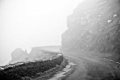Foggy bend (Free Derry) Tags: ireland road dingle