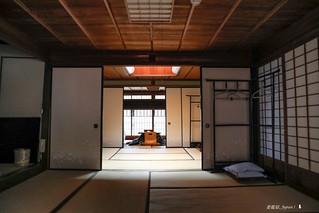 2F4A5156-松代屋的二樓房間,仔細看,透光的和紙還有花樣