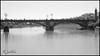 Puente Triana bn (María Jesús Feria) Tags: triana puente bridge agua río