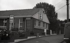 London Motels, London Street, c1970s (Dunedin City Council Archives) Tags: dunedin motels accomodation holidays 1970s