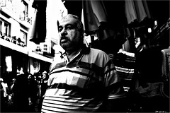 spi_305 (la_imagen) Tags: eminönü sw bw blackandwhite siyahbeyaz monochrome street streetandsituation sokak streetlife streetphotography strasenfotografieistkeinverbrechen menschen people insan bazaar bazar türkei turkey türkiye turquía istanbul istanbullovers