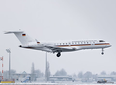 German Air Force Global 5000 14+04 (birrlad) Tags: munich muc international airport germany aircraft aviation airplane airplanes arrival arriving finals landing snow fog weather cloud government state jet german airforce air force global 5000 1404 bizjet private passenger summit security conference
