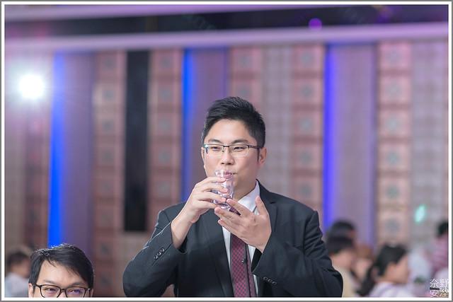 高雄婚攝 大寮享溫馨囍宴會館 英倫盛典廳 (55)