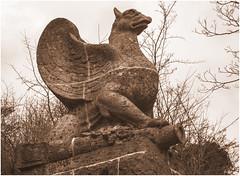 0066- MONUMENTO AL 5º BAD FED-ARTILLERIE REGT Nº 76 - 1914-1918 EN BIERGARTEN - FREIBURG -ALEMANIA - (--MARCO POLO--) Tags: ciudades rincones esculturas