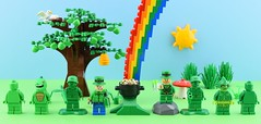 Happy St Patrick's Day !☘️ (Alex THELEGOFAN) Tags: lego legography minifigure minifigures minifig minifigurine minifigs minifigurines leprechaun rainbow sun sky blue tree green nature soldiers lizard man swampy creature st patricks day saint patrick