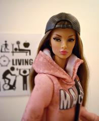 Prestige Natalia (Deejay Bafaroy) Tags: fashion royalty fr fr2 integrity toys it prestige natalia fatale doll puppe barbie cap mütze mattel outfit hoodie ken portrait porträt