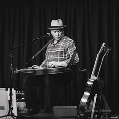 15/100 The Guitarist (belincs) Tags: 100xthe2018edition 100x2018 2018 hawaiianguitar image15100 imagex100 lincolnshire march ragmamarag uk gig guitarist highiso indoors