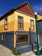 Gardner's Alley (tmvissers) Tags: streetlight streetlamp house alley gardner's california county peninsula monterey pacificgrove