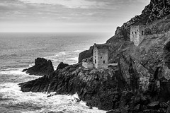 The Crowns (Lloyd Austin) Tags: abandoned tide moody atmospheric nikon d7200 sigma1750mm mono monochrome bw blackandwhite bnw landscape seascape white black cliffs rocks rugged coastalpath vista view dramatic exposed sea coast coastline coastal industrial mining tin england cornwall botallack crownenginehouses thecrowns