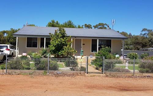 184 Camp Street, Temora NSW