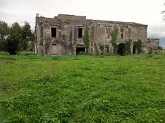 Rudere nella Valle del Sarno (Poggiomarino) - Ruine in the Sarno valley (stella.iloveyou) Tags: architecture architettando todiscover allascoperta travel viaggiare