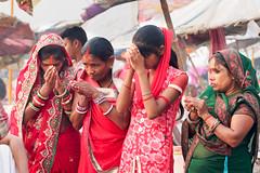 Prayers on ghats ...Varanasi .India (geolis06) Tags: geolis06 asia asie inde india uttarpradesh varanasi benares gange ganga ghat inde2017 olympus hindu hindou religieux religious portrait banaras femme woman women olympusem5 olympusm75300mmf4867ii