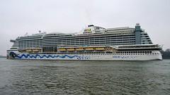 Cruiseterminal Rotterdam (Crooski) Tags: ricohimagingcompany pentaxks2 rotterdam rotterdamharbour cruiseterminal cruiseship aida aidaperla