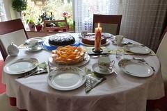 Osterkaffee (ivlys) Tags: ostern kaffee coffee kuchen cake osterkerze eastercandle familie family ivlys