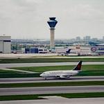 Air Canada Boeing 737-200 thumbnail