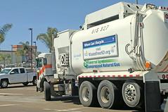 Garbage Truck 4-10-18 (2) (Photo Nut 2011) Tags: sandiego sanitation wastedisposal california truck garbagetruck trashtruck refuse junk waste garbage trash 815327 miramar