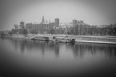 Wawel castle - Kraków (k#OCZY#k) Tags: monochrome water river city sky fog mist castle architecure bw poland polska kraków cracow wisła vistula mood