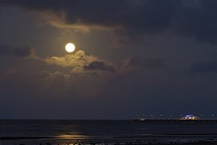Moon and the Shorncliffe Pier (noompty) Tags: sandgate shorncliffe pier jetty moon moonlight clouds moretonbay ocean brisbane queensland k1 pentax on1pics 2018 photoraw2018 hddfa150450f4556eddcaw