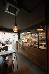 _DSC2659 (fdpdesign) Tags: memphisbelle albenga liguria italia italy furniture shop design shopdesign wood industrial lampade bar food cibo doghe 2018 tavoli sedie sgabelli