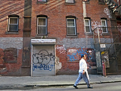 BostonTaggedShutter (fotosqrrl) Tags: boston massachusetts streetphotography urban chinatown knappstreet tagging alley