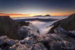 - Un sunset pour un workshop - (Frog 974) Tags: îledelaréunion ngc coucherdesoleil ravine creuse piton des neiges mer de nuage