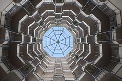 Oktogon (Elbmaedchen) Tags: unterwegsmitbineundfrank architektur architecture innenhof innenansicht berlin böhmhaus oktogon achteck fasanenplatz