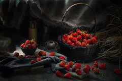 STRAWBERRIES (akhardin) Tags: phottix russia gray black rustic strawberry canon khardin foodphoto vladivostok food removedfromstrobistpool nostrobistinfo seerule2