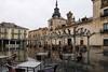 Dia de lluvia. (J.G.Sansano) Tags: plazamayor plaza lluvia árbol mesas arquitectura g7xii rain