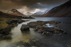 Winter Dusk over Wastwater (sunstormphotography.com) Tags: cumbria cumbrianmountains canon5dmark3 lakedistrict lake lakedistrictnationalpark lakeshore winter water polarisingfilter canon24105l wasdale wastwater wasdaleskyline scafell yewbarrow greatgable