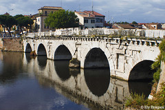 Rimini, Italia (mividaenpostales) Tags: ponteditiberio ponte puente bridge rimini italia italy reflejo reflection riflesso europa canon emiliaromagna europe