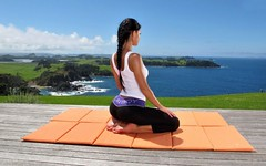 10 posições de yoga para quem fica muito sentado (raisdata) Tags: bigdata doresnascostas ficarmuitotemposentado posiçõesdeyoga rais raisdata saúde yoga