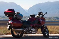 Deauville (DOCESMAN) Tags: moto bike motor motorcycle motorrad motorcykel moottoripyörä motorkerékpár motocykel mototsikl honda nt700v ntv700 deauville docesman danidoces pirineos españa spain pyrenees