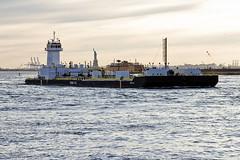 r_180322120_beat0021_a (Mitch Waxman) Tags: eastrivershoreline fdny fireboat newyorkcity statueofliberty tugboat newyork