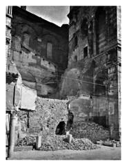 Cattedrale di Ferrara - bombardamenti 1944 (dindolina) Tags: photo fotografia blackandwhite bw biancoenero monochrome monocromo history storia italy italia emiliaromagna ferrara chatedral cattedrale duomo chiesa church war guerra ww2 wwii secondaguerramondiale secondworldwar bomb