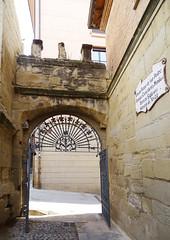 Viana Portal de entrada al parque de San Pedro antiguo cementerio Navarra (Rafael Gomez - http://micamara.es) Tags: viana portal de entrada al parque san pedro antiguo cementerio navarra ruinas