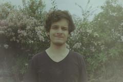 babe namu (inahbê) Tags: la lasardina sardina lomo lomography boy flower 35mm film analog analogue analogica analogic boyfriend