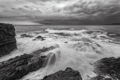Playing with the waves (B & W) (Ernest Bech) Tags: catalunya girona altempordà llançà landscape longexposure llargaexposició tormenta strom