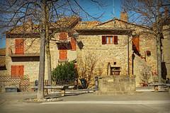 Piazza a Monticchiello (Darea62) Tags: valdorcia village unesco ancient square tuscany toscana borgo monticchiello well old history