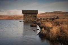 Devoke Boathouse (RichRobson) Tags: lakedistrictaddict english lake district cumbria nicelight boathouse devoke water tarn largesttarninthelakes grass sky reflection just early morning riser first light peaceful newplace great place