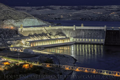 GRAND COULEE DAM AT NIGHT (LOURENḉO Photography) Tags: dam 5ds 5dsr washington coulee grandcouleedam view electric electriccity grand lazer show cascade power grid powergrid lake roosevelt lakeroosevelt art night sky long exposure canon blue hour bluehour lights nightlights beautiful timing indian reservation grant county usa country reclamation