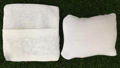 Crochet cushion (jenniffervalverde) Tags: momoko poppyparker fashionroyalty mattel integritytoys barbie madetomove endlesssummer handmade diorama scale16