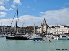 La Rochelle - Vieux-Port (JeanLemieux91) Tags: vieuxport old port viejo puerto pierres stones piedras la rochelle charentemaritime poitoucharentes france europe march mars marzo 2018 hiver winter invierno horloge clock reloj bateaux botas barcos