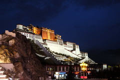 Potala Palace, Lhasa (Omi PJ Kuo) Tags: night 夜景 西藏 圖博 tibet xe3 fujifilm xf1855mm