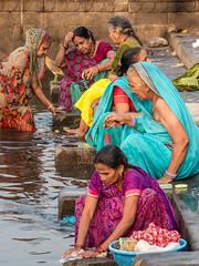 LR Madhya Pradesh 2018-2240221 (hunbille) Tags: birgittemadhyapradesh20181lr ghat ahilyabai ghats ahilyabaighat india madhya pradesh madhyapradesh maheshwar narmada river holy ahilya challengeyouwinner cyunanimous cy2