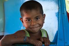 Hsipaw-Mandalay. Myanmar (Igorza76) Tags: 2017 birmania burma hsipaw mandalay myanmar oporrak tren república unión republic union asia sudeste asiático southeast thibaw သီပေါ သီႇပေႃႉ shan state estado gokteik gohteik viaduct bridge puente train ferrocarril railroad railway ဂုတ်ထိပ်တံတား ventana window niño kid young boy blanco negro zuri beltz baltz black white bw bn zb blackandwhite blackandwhitephoto fuji xt10