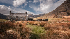 Out in the open ... (Einir Wyn Leigh) Tags: landscape wales snowdonia walking spring april farm building cottage ruin outside clouds sunlight rural mountain