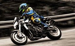 Rider (driver Photographer) Tags: 摩托车,皮革,川崎,雅马哈,杜卡迪,本田,艾普瑞利亚,铃木, オートバイ、革、川崎、ヤマハ、ドゥカティ、ホンダ、アプリリア、スズキ、 aprilia cagiva honda kawasaki husqvarna ktm simson suzuki yamaha ducati daytona buell motoguzzi triumph bmv driver motorcycle leathers dainese motorcyclist motorrrad