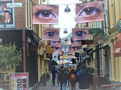 Keep your eyes open (JoséDay) Tags: street streetart streetscene peopleinthestreet peopleinthehague thehague denhaag thenetherlands walkingaround walkinthecity